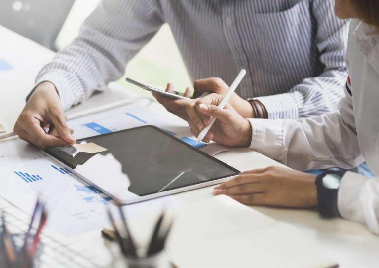 מהי חשיבות השקיפות של העסק בפני הלקוח?